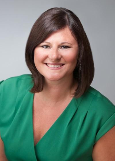 Lauren Dully Headshot